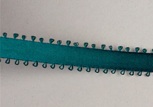 Picot Ribbon - Hunter Green - 20 yds x 3/8